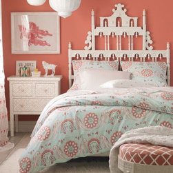 Serena & Lily - Annabel Duvet - Annabel's large-scale pattern is inspired by traditional French and Indian motifs. Detailed with fabric-covered button closures and white piping.