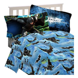 Franco Manufacturing Company Inc - DC Comics Batman Twin Bed Sheets Forced Darkness Bedding - FEATURES: