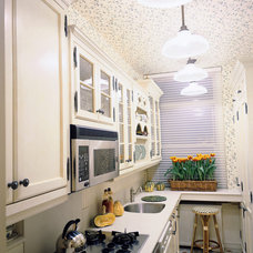 Traditional Kitchen by Lauren Ostrow Interior Design, Inc