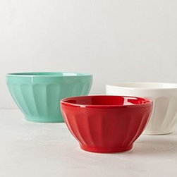 "Anthropologie - Latte Mixing Bowls - Set of threeEarthenwareDishwasher and microwave safeSmall: 42 oz3.75""H, 7"" diameterMedium: 60.75 oz4.25""H, 8.25"" diameterLarge: 84.5 oz4.5""H, 9.5"" diameterPortugal"