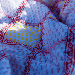 Attiser - Red and white quilts - Classic Crimson Handmade Quilt as the decorative centerpiece for your beautiful room. Hand Block Printed from Attiser