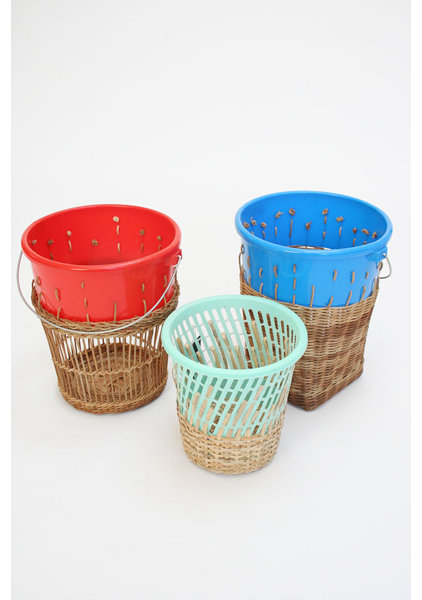 Modern Waste Baskets by Beklina
