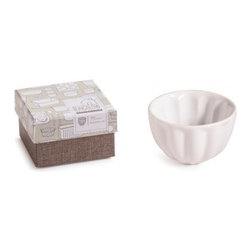 Rosanna - White Bungalow Mini Round Cake Pan - Oven Safe By Rosanna - The forms of White Bungalow are borrowed from beloved forms of the past-early Americana tin pantryware and glass refrigerator containers.