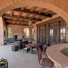 Traditional Patio by Shiflet Group Architects