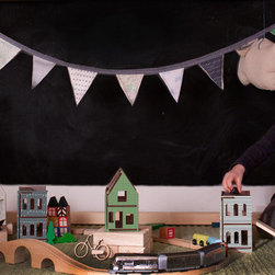 Lille Huset - Modular Play Houses - This fantastic lille city includes four extra small houses and a play map.  The walls of the houses are reversible and patterned, so they can easily be customized.