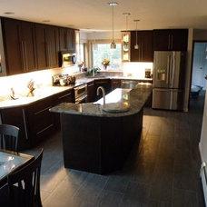 Modern Kitchen by Kitchen Tune-Up Official