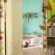eclectic  A Bedroom Peek (from Flickr user jek in the box)