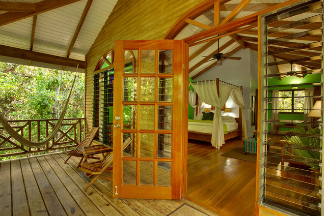10 Treehouse Hotels, Lodges, B&Bs and more!