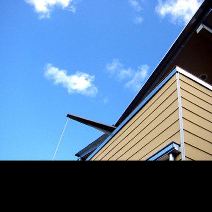 Modern Porch by DOMU, LLC