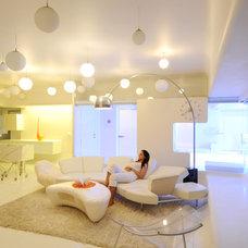 Modern Living Room by Sonali shah