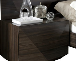 Rossetto - Rossetto Sapphire Dark Walnut Night Stand - Rossetto - Nightstands - T350500000001 - A new source of design, marked by sobriety and geometric shapes enhance the appearance of the nightstand. This night stand will make a perfect fit to the Sapphire dark walnut platform bed (sold separately).