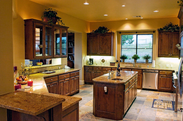 Traditional Kitchen by Canyon Creek Homes, LP
