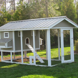 Penthouse Chicken Coop - Carolina Coops, PENTHOUSE is a great self contained backyard chicken coop for the smallest of yards and busiest of families or homesteaders!  Check out our web site or give us a call!  919.794.3989