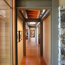 Contemporary Hall by McClellan Architects