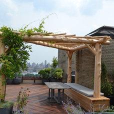 Craftsman Landscape by Natural Garden Landscape Design & Build