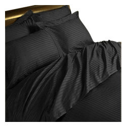Hothaat - 600TC Stripe Black Queen Fitted Sheet & 2 Pillowcases - Redefine your everyday elegance with these luxuriously super soft Fitted Sheet. This is 100% Egyptian Cotton Superior quality Fitted Sheet that are truly worthy of a classy and elegant look.