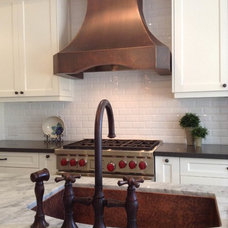 Traditional  by Copper Kitchen Specialists