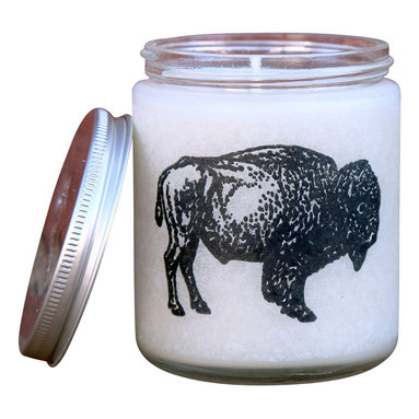 Glint Candles - Wild 'N Woolly - Sage Lavandin + Oakmoss Soy Candle 8Oz - Masculine and unrelenting, crisp sage mingles with an earthy lavandin and warm base of amber and oakmoss with a hint of musk. It has the perfect balance of filling a space without being overwhelming.