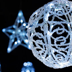 Make Your Holidays Sparkle with LED Lighting - The Versaline 3-Channel LED light system now includes 3-D Motif decorations that you can add into your custom display. Choose from 3 different shapes in 2 sizes each to mix and match together!