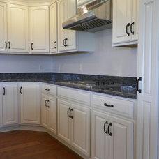Traditional Kitchen Cabinets by Carrie Hoelewyn (Lowe's in Bristol, TN)