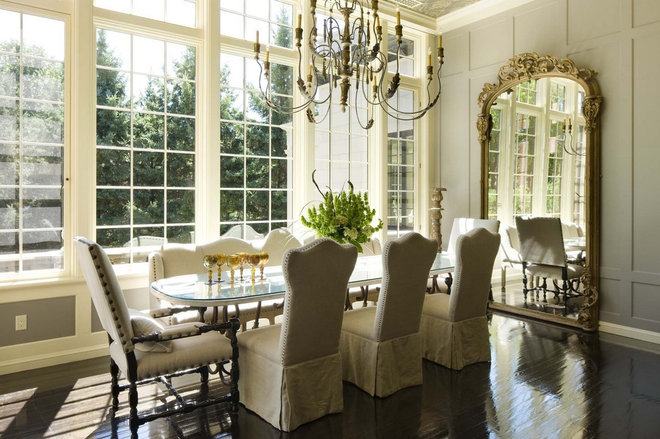 Traditional Dining Room by TEA2 Architects