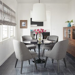 Saarinen Table & Cora Chairs Dining Space -