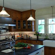 Craftsman Kitchen by RR Chandler Design Build Renovate