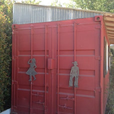 Salvage: container barn