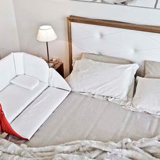 The Culla Belly Co-Sleeper Attaches onto Beds For Easy Access | DesignRulz