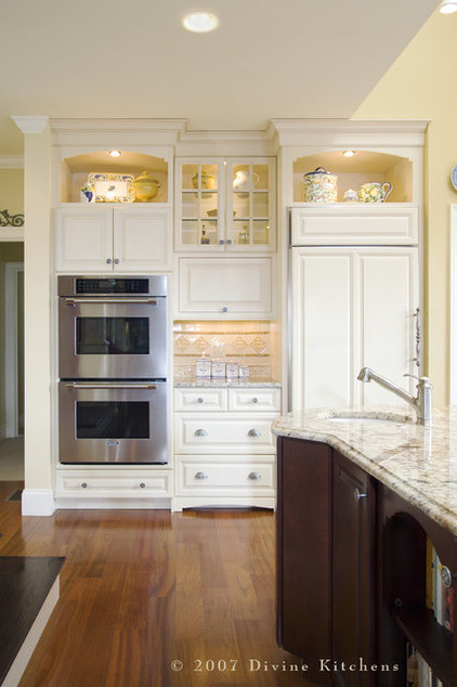 Determine the right appliance layout for your kitchen for Kitchen appliance layout ideas