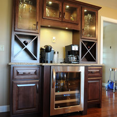 Traditional  by Lustig Custom Cabinets