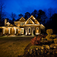 Traditional Landscape by Outdoor Advantage