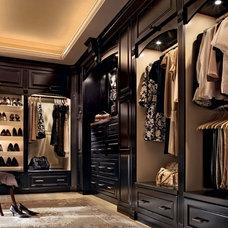 Bedroom, Classically Traditional, Photo 171 - KraftMaid Photo Gallery