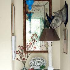 Cottage Entryway Nook - MyHomeIdeas.com