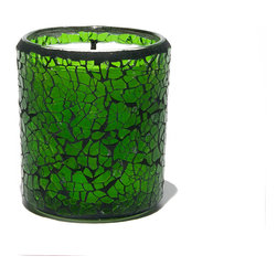 Everybody's Ayurveda - Reuseable Crackle Glass Pitta Ayurvedic Candle - Green - This Pitta-balancing fragrance inspires serenity and promotes peace. 100% soy wax Ayurvedic Candle. 6 oz. Made in the USA. 3.25 in. Tall x 3 in. Diameter. Approximate burn time is 28 hours. Reusable glass becomes a candle holder after use.