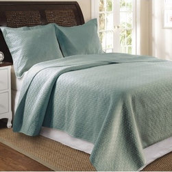 """Greenland Home Fashions - Vashon Slate Blue Quilt Set - Update your bedroom with this modern yet sophisticated Vashon quilt set. Features: -Available in Twin, Full / Queen or King sizes. -Twin set includes 1 quilt and 1 standard sham. -Full / Queen set includes 1 quilt and 2 standard shams. -King set includes 1 quilt and 2 king shams. -Color: Slate blue. -Material: Cotton. -Intricately stitching in concentric diamond pattern. -Enhances the durability and the softness in a light, airy feel. -Oversized for better mattress coverage. -Machine washable. Specifications: -Twin: 68"""" W x 88"""" D. -Full / Queen: 90"""" W x 90"""" D. -King: 105"""" W x 95"""" D. -Sham: 20"""" W x 26"""" D. -King Sham: 20"""" W x 36"""" D."""