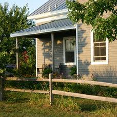 Farmhouse  by Rebekah Zaveloff | KitchenLab