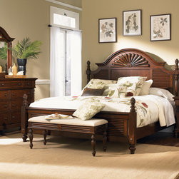 Liberty Furniture Royal Landing Collection - The Royal Landing Collection by Liberty Furniture is a great furniture option if you are looking for traditional furniture for your master bedroom. There isn't a collection in the world that is more welcoming and elegant that the Royal Landing Collection . Pineapples, which serve as the universal sign for welcome, are one of the featured accents seen throughout many of the items in this terrific and luxurious collection. Other furniture characteristics implemented into the Royal Landing Collection is: pilasters, rope-twist and reed moulding, sunburst pediments and turned feet are inspired from past traditional American design.