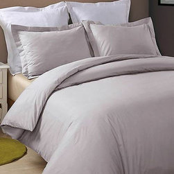 Hotel Grand Collection - Platinum 230-Thread Count Duvet Cover Set - Add this elegant and incredibly soft duvet cover to any bed to make counting sheep a thing of the past. Whether updating the master bedroom or guestroom, this piece of bedding is sure to warm up décor.   Includes duvet cover and two shams (twin sizes include one sham) 100% cotton 230-thread count Machine wash Imported