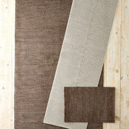 Dash & Albert - Honeycomb Woven Wool Rug by Dash and Albert - Brown/Gray - 2X3 - If you want your rug to be Best Supporting Actor and not steal the show, remember, you don't always need to stick with a solid. Think luxurious backdrop versus a bold centerpiece and go with a rug with a subtle pattern like this petite woven honeycomb. Made from pure wool in a neutral color scheme, this rug works in many decors, and its durable, tight weave is made to withstand high-traffic areas. By Dash and Albert.