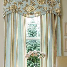 Jacquard Peony Lined Layered Scalloped Valance - Country Curtains®