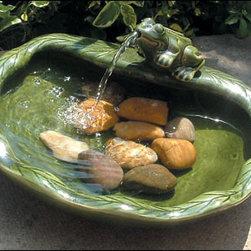 Outdoor Classics - Smart Solar Ceramic Frog Solar Fountain -