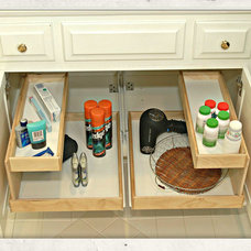 Traditional Bathroom Storage by Elizabeth Beach Hacking, ShelfGenie Designer
