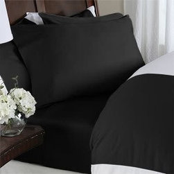 1000 Thread Count Egyptian Cotton Sheet Set - Black sheets: naughty or nice? Add glam, elegance and, yes, sexy to your bed!