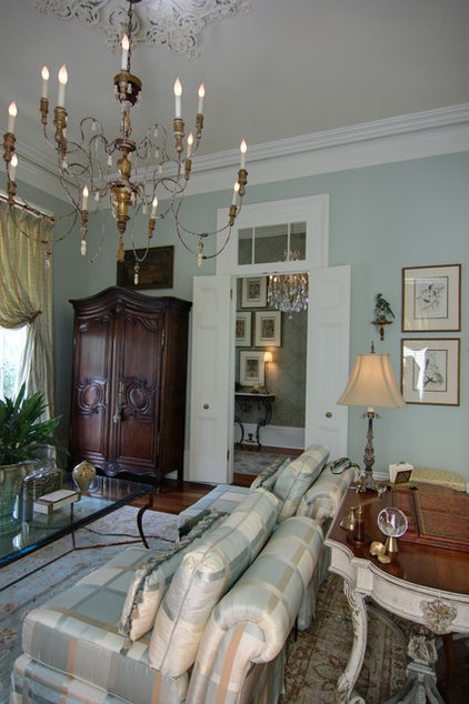 Traditional  by Nelson Wilson Interiors