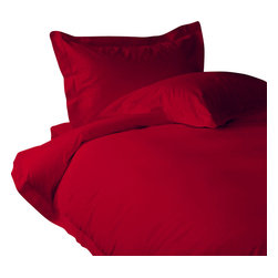 600 TC Duvet Set with 1 Fitted Sheet Solid Blood Red, King - You are buying 1 Duvet Cover, 1 Fitted Sheet and 2 Pillowcases only. A few simple upgrades in the bedroom can create the welcome effect of a new beginning whether it's January 1st or a Sunday. Such a simple pleasure, really fresh, clean sheets, fluffy pillows, and cozy comforters. You can feel like a five-star guest in your own home with Sapphire Linens. Fold back the covers, slip into sweet happy dreams, and wake up refreshed. It's a brand-new day.