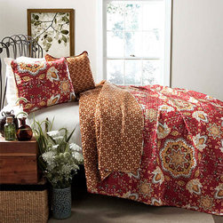 Lush Decor - Addington Red Three-Piece Full/Queen Quilt Set - - Paisley flowers were the inspiration to add a unique modern spin for this 3pc quilt. This reversible quilt displays a complementary one of a kind paisley pattern enhancing both the front and the back. Made from 100% cotton, this set is soft to the hand and has wonderful quilting details.   - Set Includes: 1 Quilt, 2 shams  - Care Instructions: Machine wash cold, gentle cycle, only non chlorine bleach when needed, tumble dry low, cool iron if needed  - Fill Content: 100% polyester Lush Decor - C24034Q14-000