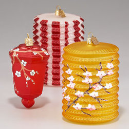 Asian Lantern Holiday Ornaments - How could I ever choose between these three Chinese lanterns? I want them all!