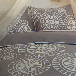 Crane & Canopy - Geometric Print Designer Duvet Cover, The Sunset - Playful and whimsical, this beautiful gray geometric print duvet cover balances artistry and fashion. Finishing details include edge piping, interior corner ties and zipper enclosures.