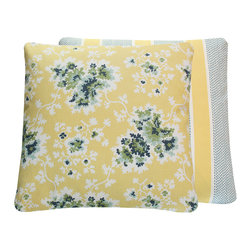 Chloe & Olive LLC - Duralee Tilton Fenwick Yellow Floral Throw Pillow, 20x20 - Whether it's a radiant lemon hue or a soft buttery tone, yellow throw pillows instantly add sunshine to any room.